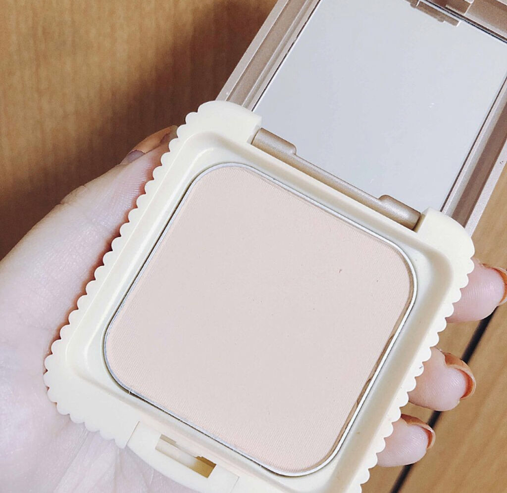 「パサつかない仕上がりで一日中美肌♡保湿成分配合のパウダーファンデーションカタログ」の画像(#64732)