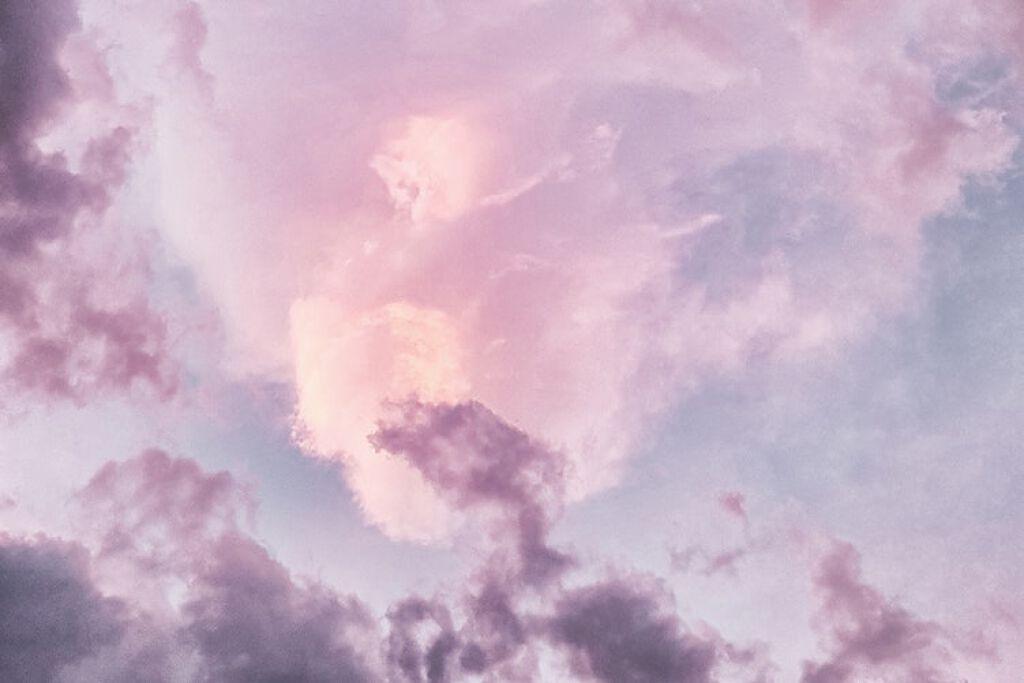 透明感と春っぽさ、いいとこどりできちゃうラベンダーコスメ集めました♡の画像