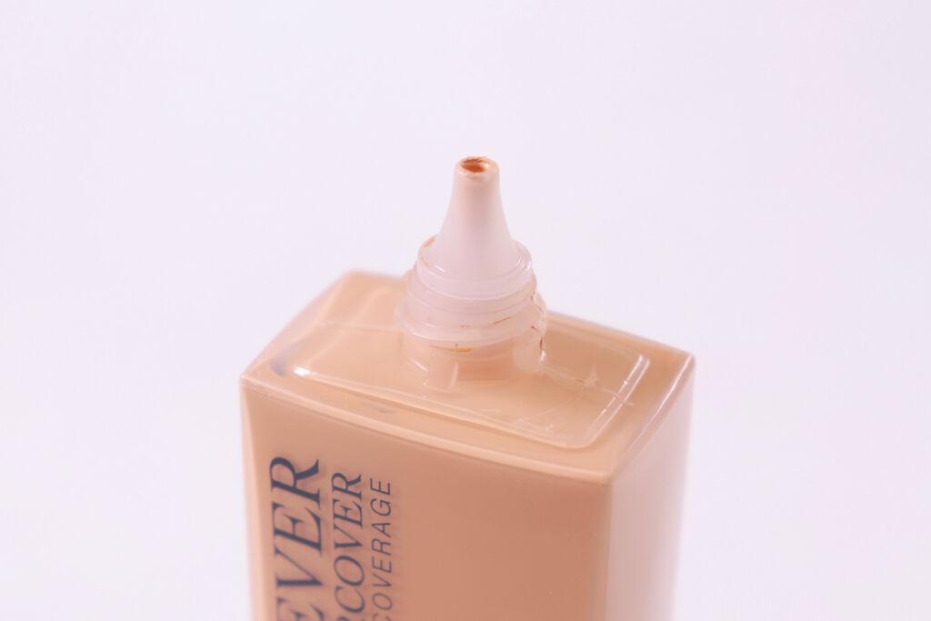 Diorから新美白美容液と落ちないファンデーションが発売✨の画像