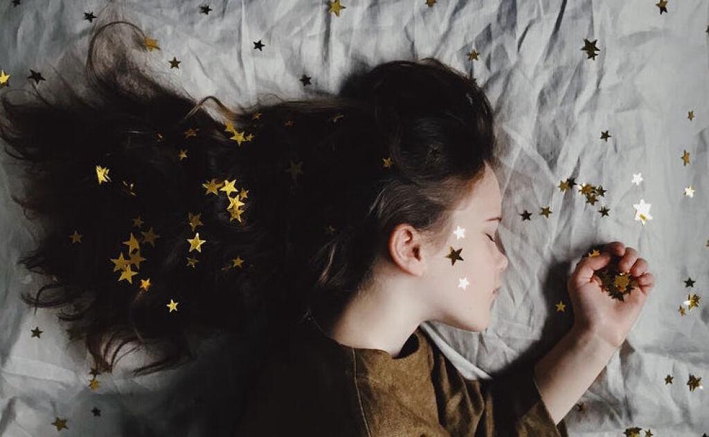 髪が絡まらない魔法のブラシでサラ髪を手に入れろ!の画像