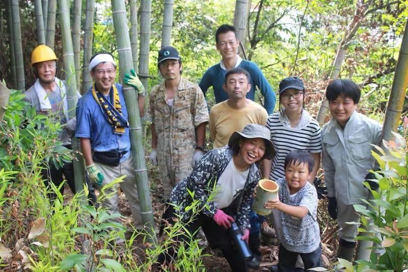 地元の人やボランティアが集まって竹林整備に汗を流しました(写真・伊藤さん提供)