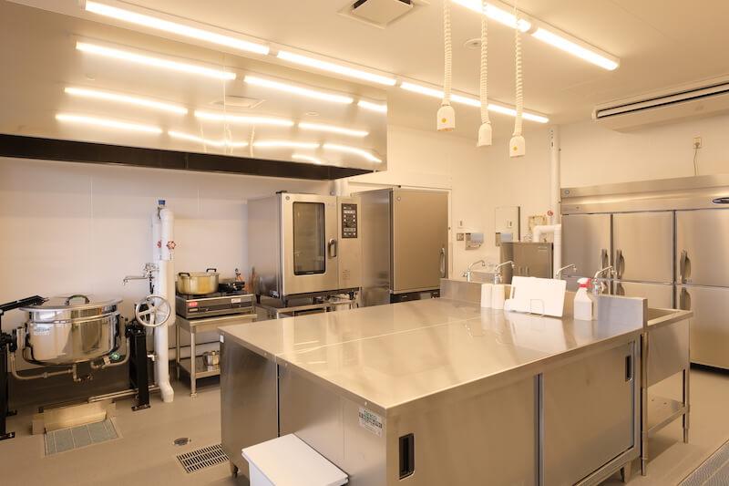 テストキッチンには本格的な調理をかなえる充実の設備がそろっています。