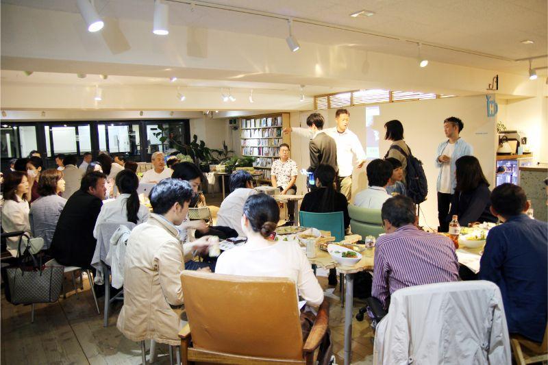 参加者は通常を大きく上回る60名ほど。やはりローカルの食は興味深いテーマのひとつ