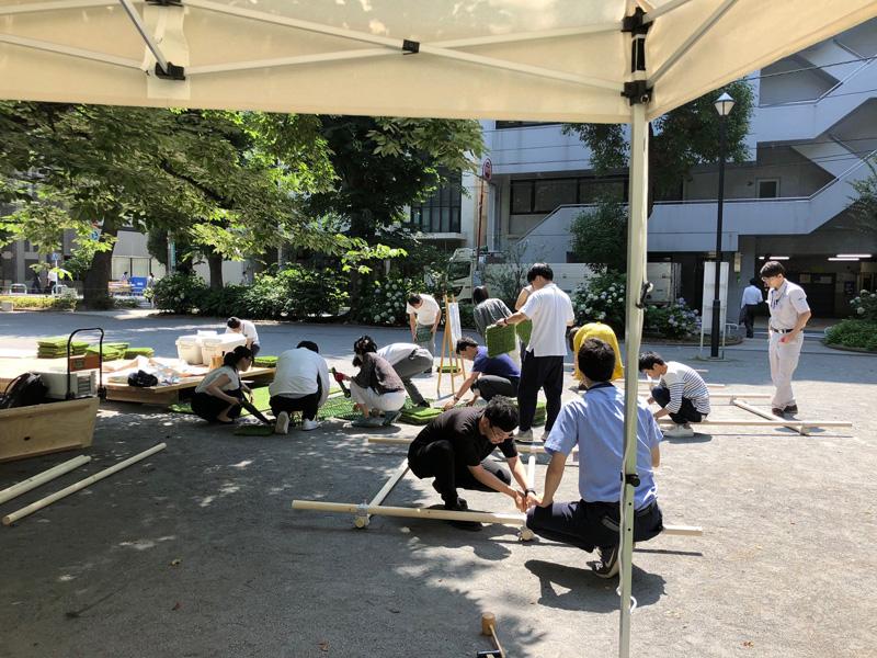 プロジェクトチームによる公園での作業風景