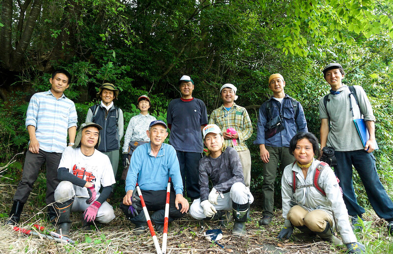 「踏査完了!」 前列左から村上さん、岡橋さん、斎藤さん、伊藤さん