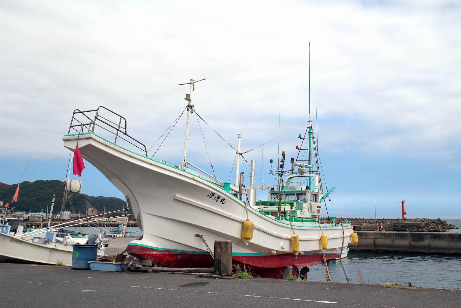 金高さんが所有する浩徳丸。10月頭から解禁され、6月末まで続く金目鯛の漁がメイン。
