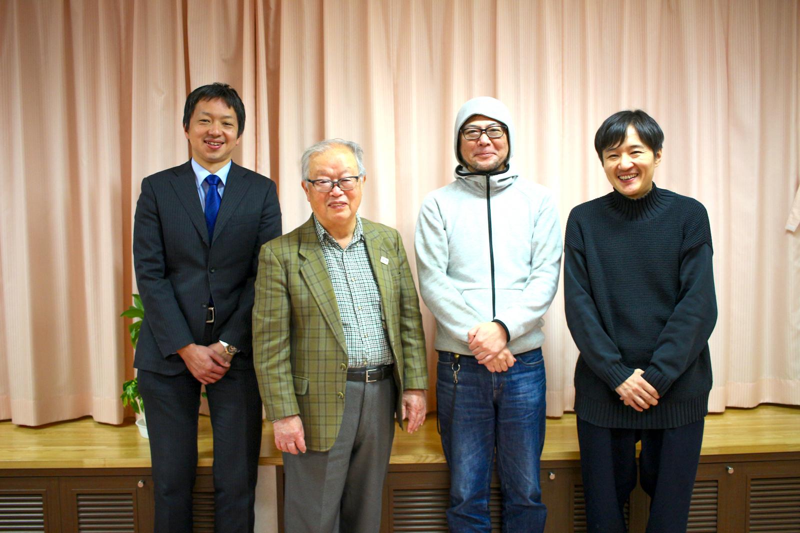 左から豊島区役所の小澤さん、西巣鴨新田町会の田崎さん、地域住民の芦田さん、良品計画の大友さん。