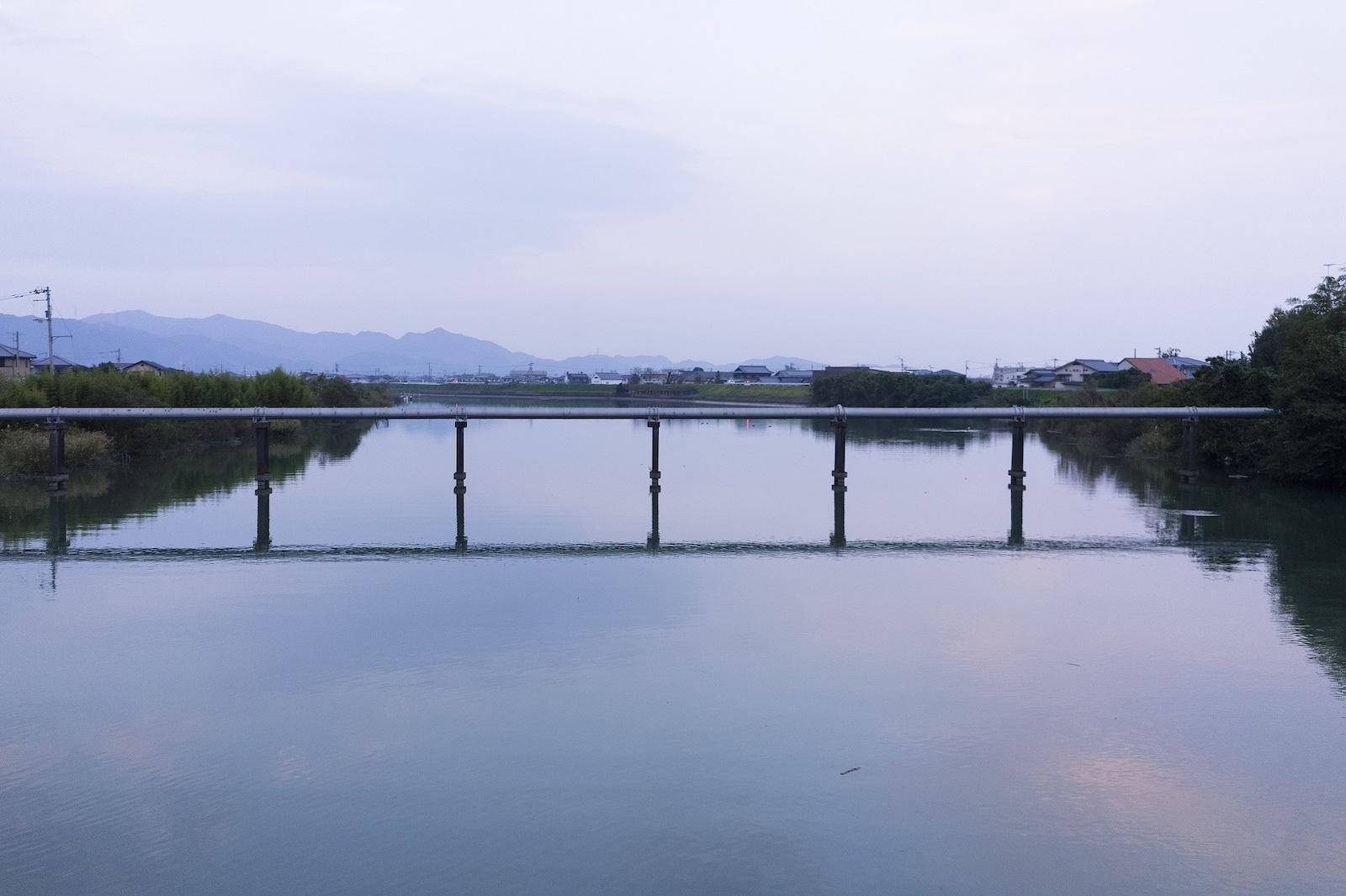小石製作所のすぐそばの風景。山に川に海に…徳島は自然に恵まれた土地