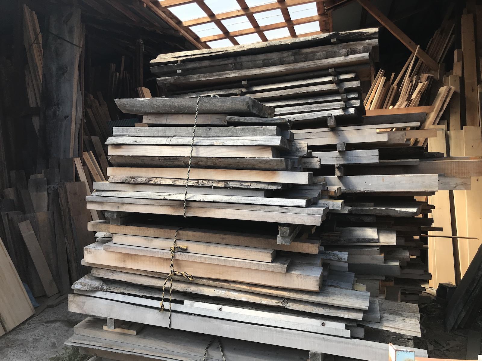 沖倉製作所で乾燥されてる木材