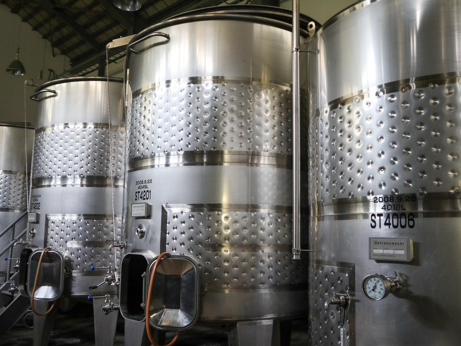 このタンクを使用してワインを作ります