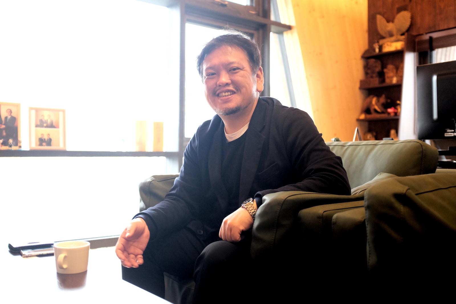 イトイグループホールディングス代表の菅原さん。