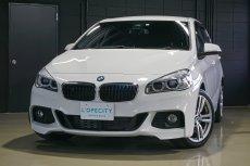 BMW 2シリーズ 225i X-drive アクティブツアラー Mスポーツ  4WD ハンズフリーテールゲート 電動シート パドルシフト リアパークセンサー バックカメラ 純正18インチAW ライトPKG
