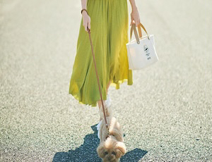 歩く度、ドラマチックに膨らむスカートで、春を軽快にスタート!