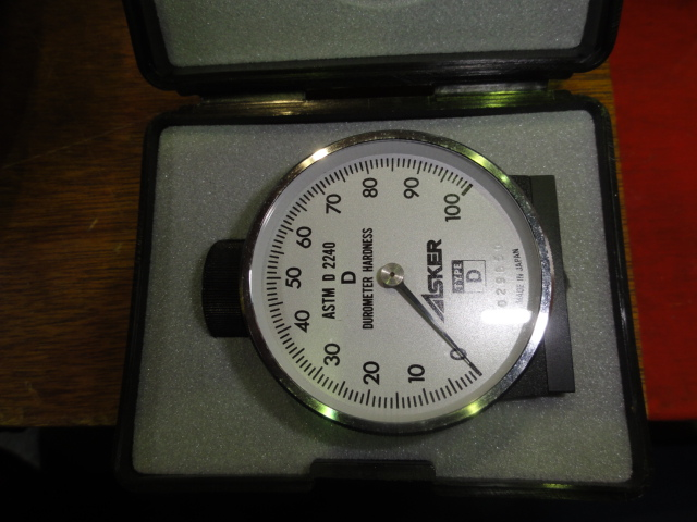 ゴム・プラスチック硬度計(デュロメータ)