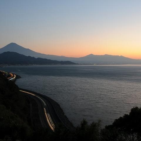 薩た峠(夜明け前)(富士山ビューポイント)のサムネイル