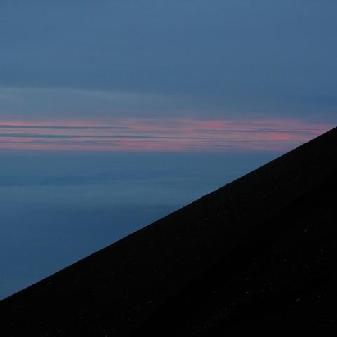 須走ルート八合五勺御来光館 (富士山からの日の出写真)のサムネイル