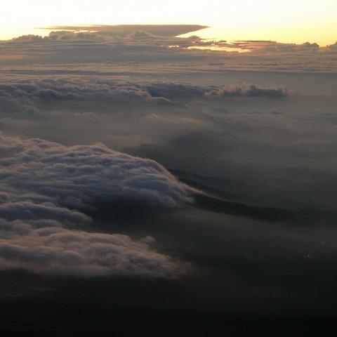 御殿場ルート赤岩八合館 (富士山からの日の出写真)のサムネイル
