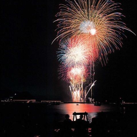 焼津海上花火大会のサムネイル