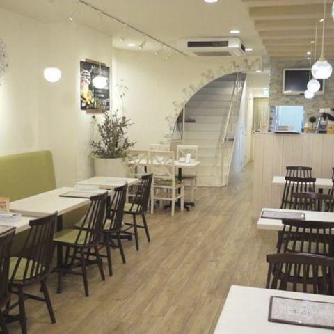 SISTERS' Cafe(シスターズカフェ)のサムネイル
