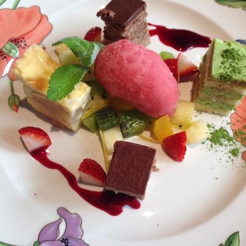 Cafe restaurant JEU DE PAUME 鷹匠のサムネイル