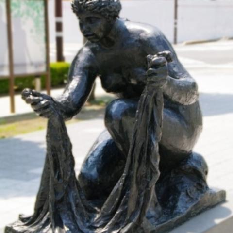 静岡駅南口駅前広場ルノワール彫刻のサムネイル