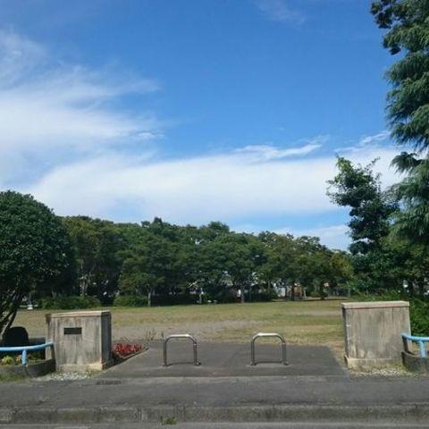 下川原公園プールのサムネイル