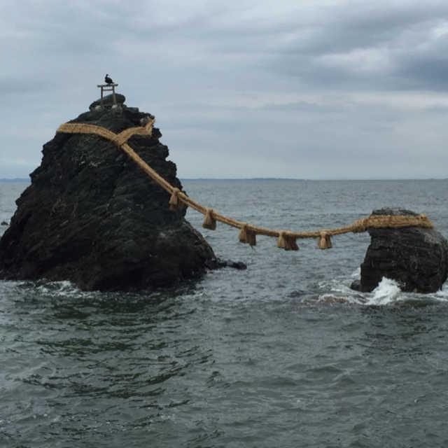 夫婦岩の大きさとして