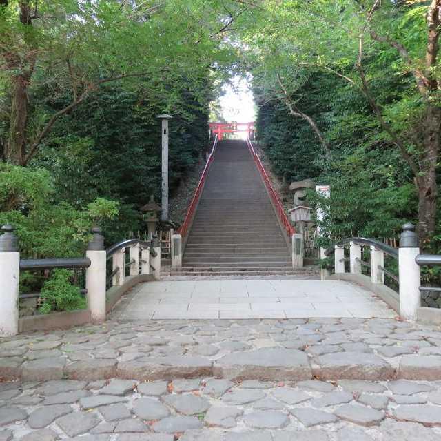 大崎八幡宮・大石段と