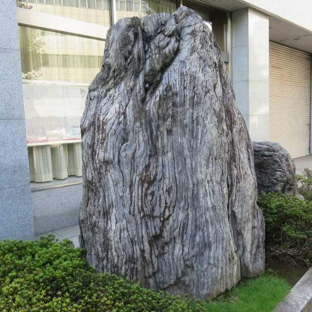 街角の白鳳石(はくほ