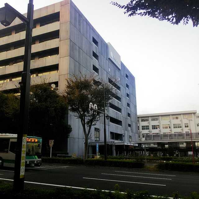 浜松市役所前の浜松城