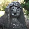 式根島のモヤイ像?