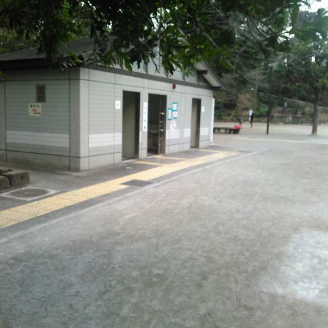 区立中根公園ユニバーサルトイレ