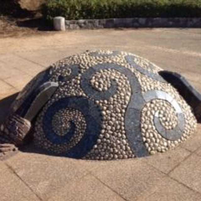 千葉ニュータウンに散らばる龍を探して。「龍の爪と宝珠」