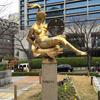 震災発生時刻を示すマリーゼ像