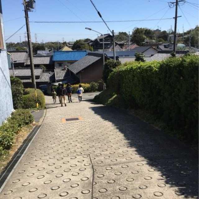 急勾配の坂道(ダッシュ坂)