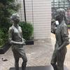 マリとシェリーの銅像