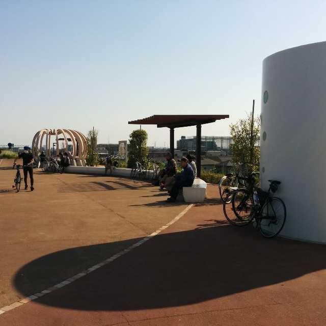 日本一長いサイクリングロードの休憩所