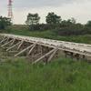 珍しい木材で出来た橋