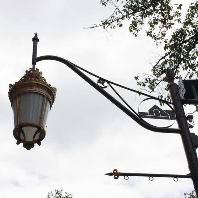 大学通りの街灯
