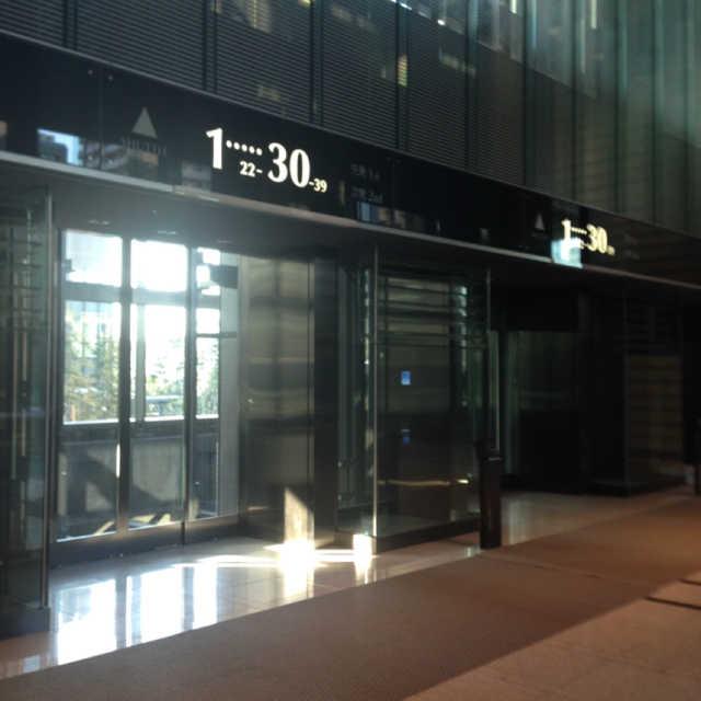 シャトルエレベーター