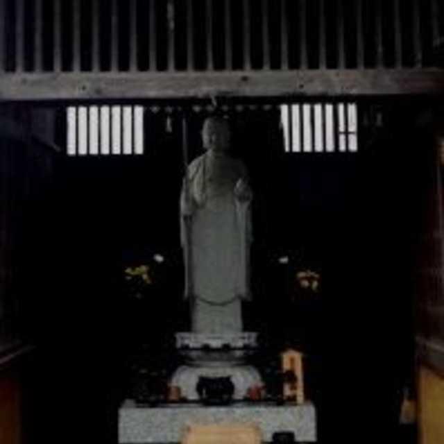 薬王寺の背面地蔵尊