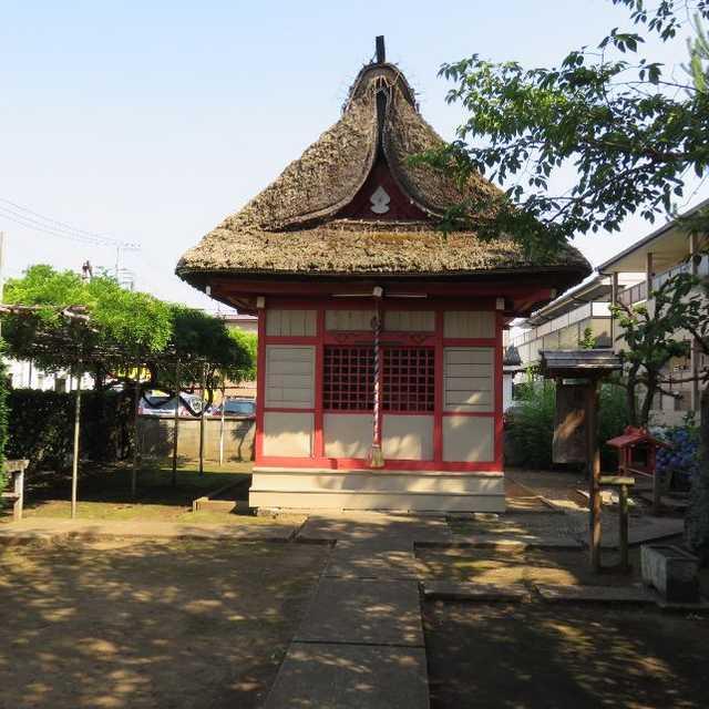 茅葺きの稲荷神社