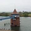 とんがり帽子の取水塔