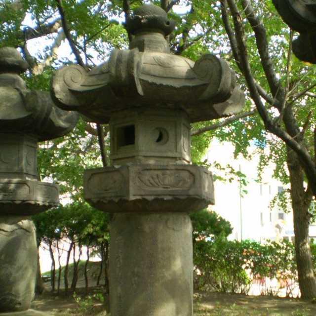 寛永寺の石灯籠