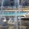 噴水横の噴水