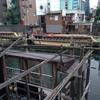 屋形船が浮かぶ神田川