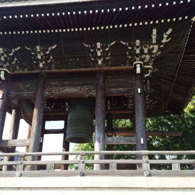 豊川稲荷の鐘楼堂