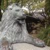 ライオン像のある神社