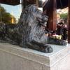 三越前のライオン像