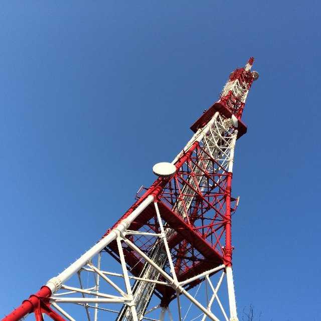 紅白のタワーです
